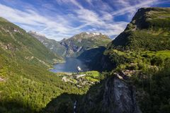 Geiranger trollstigen山路和flydalsjuvet观点在南挪威 免版税库存图片