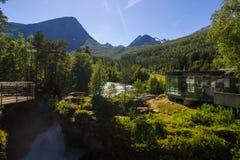 Geiranger Trollstigen山路的Valldola峡谷在南挪威 图库摄影