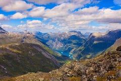 Geirangerfjord do ponto de vista de Dalsnibba, Noruega imagem de stock royalty free