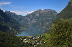 Geirangerfjord och Ørnevegen, Norge Arkivfoton