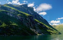 Geirangerfyord av Norge arkivfoton