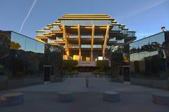 Geisel arkiv på universitetet av den Kalifornien San Diego UCSD universitetsområdet royaltyfri fotografi
