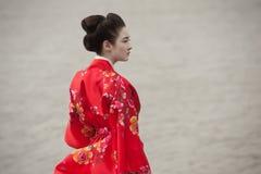 Geisha im Rot Lizenzfreie Stockfotografie