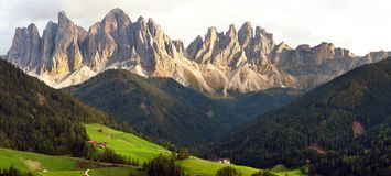Geislergruppe or Gruppo dele Odle, Dolomites Alps. Evening panoramic view of Geislergruppe or Gruppo dele Odle, Italian Dolomites Alps mountains Stock Photo