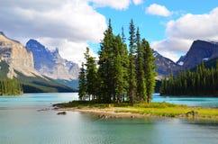 Geist-Insel, Maligne See, Rocky Mountains, Kanada Lizenzfreie Stockbilder