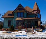 Geisterhuis in Sneeuw Stock Foto's