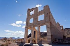 Geisterstadt-Bankgebäuderuinen Rhyolith-Nevadas USA stockfoto