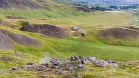 gejzery w Hveragerdi Gorącej wiosny śladu Rzecznym terenie Obrazy Stock