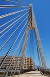 Gekabelte Brücke, Fuengirola, Andalusien, Spanien. Lizenzfreie Stockbilder