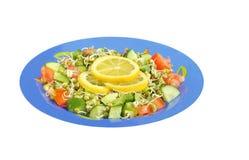 Gekeimte Mungobohnen, Gurke und Tomatesalat Stockfotos