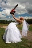 Gekke bruid met rode kettingzaag Royalty-vrije Stock Afbeelding