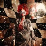 Gekke dansende discoclown op een psychedelische reis Royalty-vrije Stock Foto