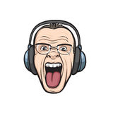 Gekke gezichts plakkende tong met hoofdtelefoons Stock Afbeelding