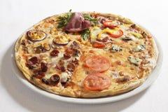 Gekke pizza royalty-vrije stock afbeelding