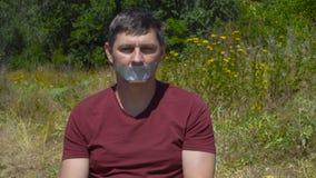 Geklebter aufgenommener Mund stock footage