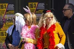 Geklede mensen in Carnaval in Xanthi, Noordoostelijk Griekenland royalty-vrije stock fotografie