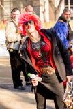 Gekleed als vrouw als tradities zeg stock fotografie