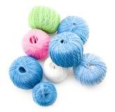 Gekleurde ballen van katoen Stock Afbeeldingen