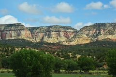 Gekleurde bergen in Utah stock foto