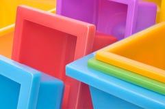 Gekleurde bloempotten Stock Afbeeldingen