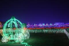 Gekleurde de pompoenkar van lichtencinderella ` s royalty-vrije stock afbeeldingen