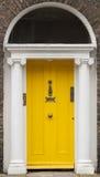 Gekleurde deur in Dublin van Georgische tijden (18de eeuw) Royalty-vrije Stock Afbeeldingen