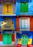 Gekleurde deuren in jodphur, Rajasthan, India Royalty-vrije Stock Foto's