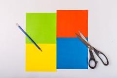 Gekleurde die document bladen op toepassing worden voorbereid royalty-vrije stock foto
