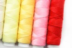 Gekleurde draden Stock Foto's
