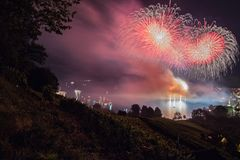 Gekleurde Fiets in een Zwitserse stad royalty-vrije stock afbeeldingen