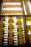 Gekleurde flessen Stock Afbeeldingen