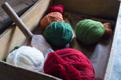 Gekleurde garenballen Stock Foto's