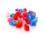 Gekleurde geassorteerde geïsoleerdeg halfedelstenen Royalty-vrije Stock Foto