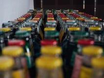Gekleurde glaskroonkurken, groen rood, geel, stock fotografie