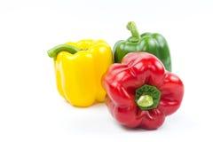 Gekleurde Groene paprika's Royalty-vrije Stock Afbeeldingen