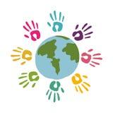 gekleurde handen rond van wereld Royalty-vrije Stock Fotografie