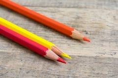 Gekleurde houten potloden van primaire kleur Royalty-vrije Stock Afbeelding