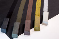 Gekleurde houtskoolstokken voor tekening Royalty-vrije Stock Afbeelding