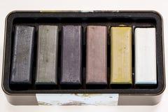 Gekleurde houtskoolstokken voor tekening Royalty-vrije Stock Fotografie