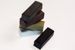 Gekleurde houtskoolstokken voor tekening Royalty-vrije Stock Foto's