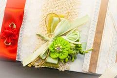 Gekleurde Huwelijksuitnodiging royalty-vrije stock foto