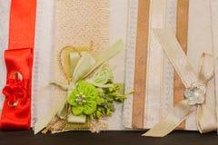 Gekleurde Huwelijksuitnodiging stock fotografie