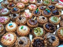 Gekleurde Italiaanse gebakjes Stock Fotografie