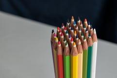 Gekleurde kleurpotloden Stock Foto's