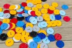 Gekleurde knopen voor naaisters royalty-vrije stock foto