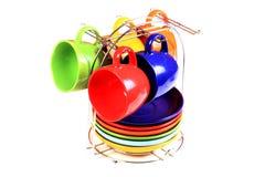 Gekleurde koppen en platen Royalty-vrije Stock Afbeeldingen