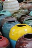 Gekleurde kruiken royalty-vrije stock afbeeldingen
