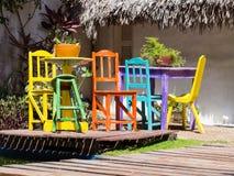 Gekleurde lijst en stoel Stock Foto's