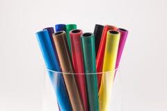 Gekleurde pennen in een glas Stock Fotografie