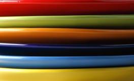 Gekleurde platen aan de kant Royalty-vrije Stock Foto's